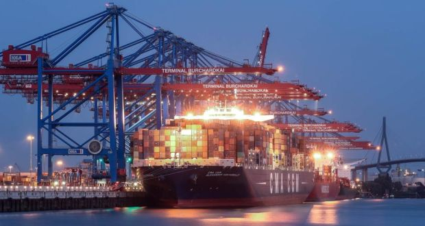 Containers are loaded onto a container ship at a shipping terminal in the harbour in Hamburg. German business confidence continues to decline. Photograph: Reuters/Fabian Bimmer