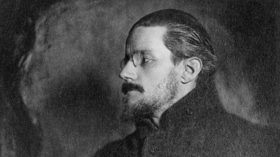 the use of epiphanies in james joyces dubliners Joyce used to talk of the epiphany ('he got some greek out of his latin lessons,'   in dubliners joyce is interested in the stories linking not only.
