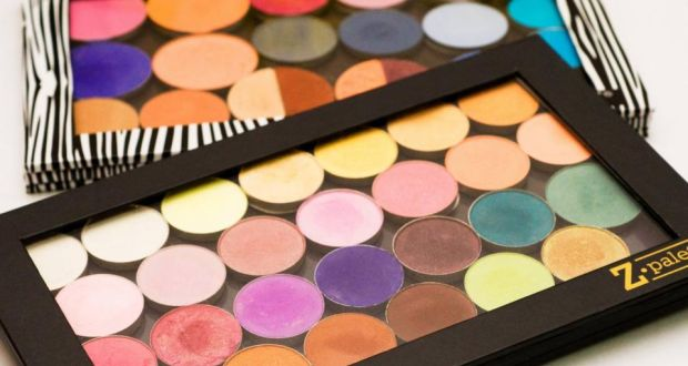 The Z Palette enables you to put your entire make-up bag into palette format