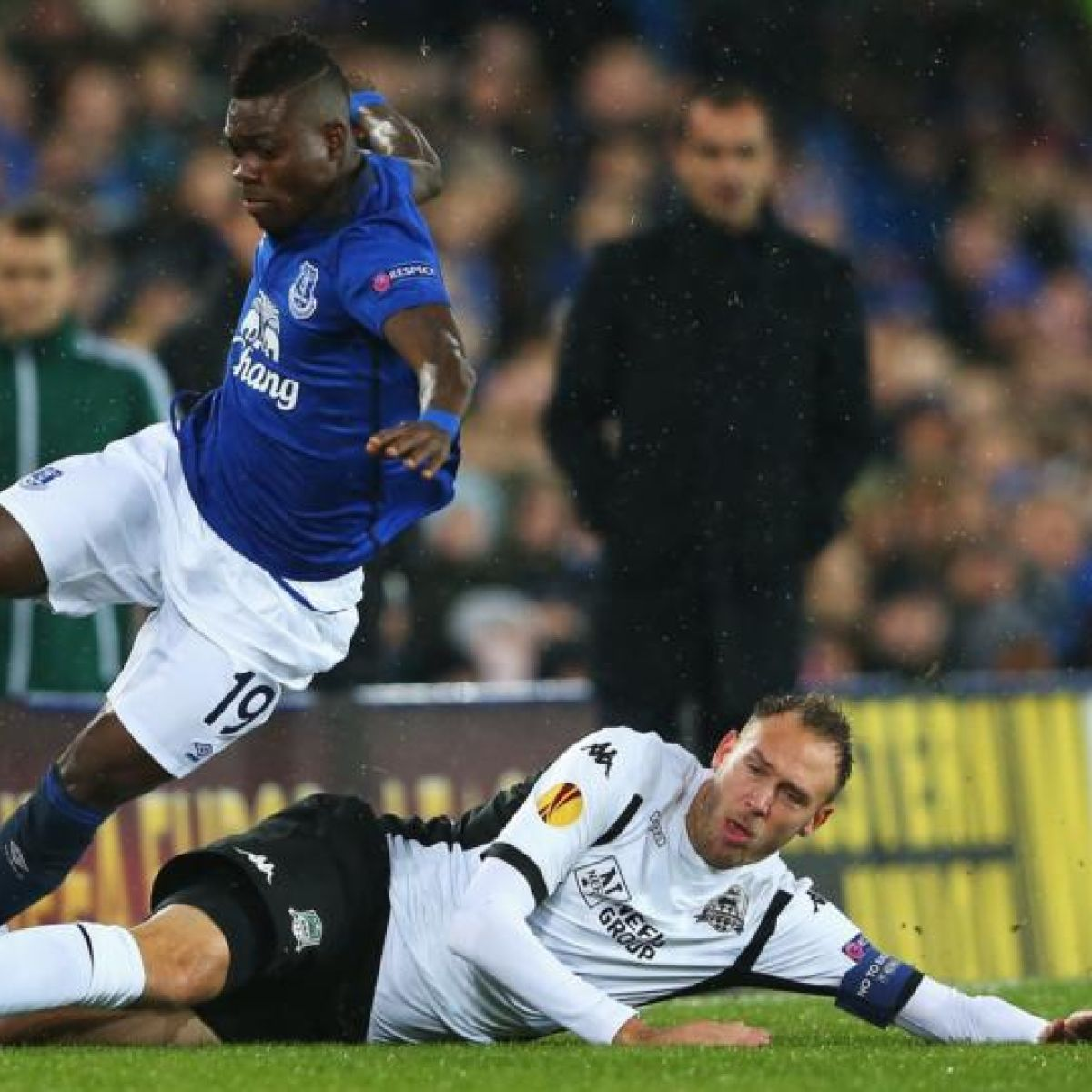 Everton blood youngsters in dead rubber defeat