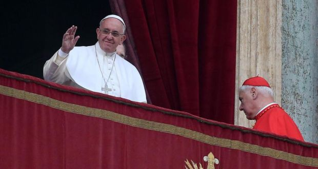 Pope condemns Islamic State 'brutal persecution'