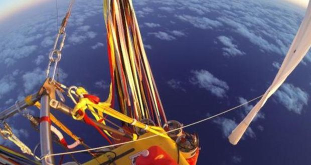 Two balloonists break world record crossing Pacific Ocean