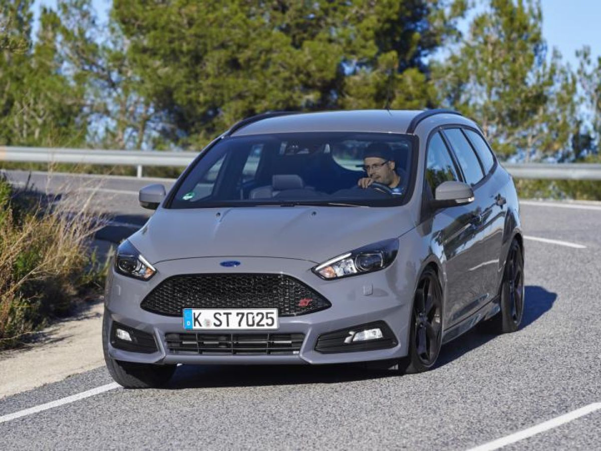 First Drive Ford Focus St A Cocktail Of Lairy Performance