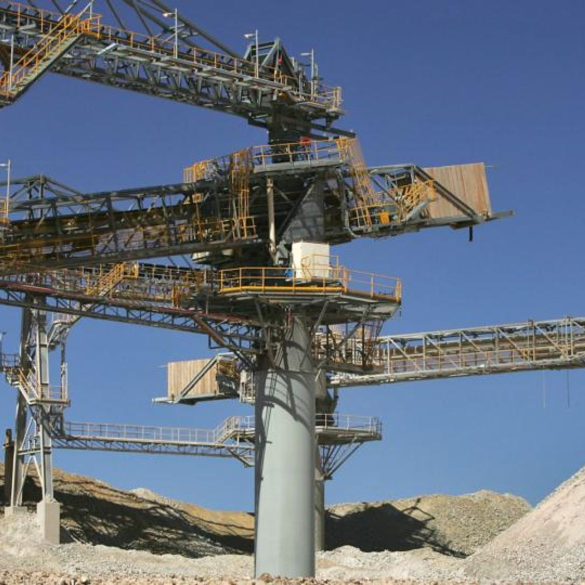 Kenmare Resources to cut workers in Mozambique mine
