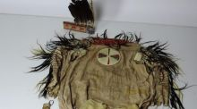 A Native American costume which sold for €320,000