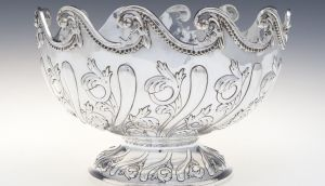 Silver punchbowl by William Comyns, €1,500-€2,000, at Adam's