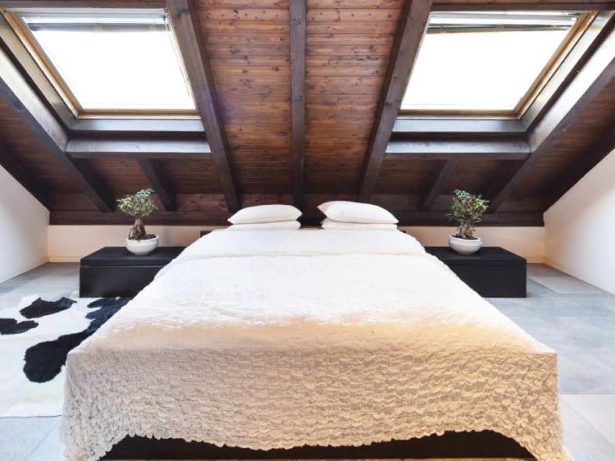 Loft bedroom is difficult to heat in winter