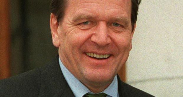 former german chancellor gerhard schrder married to journalist turned politician doris schrder kopf for - Gerhard Schroder Lebenslauf