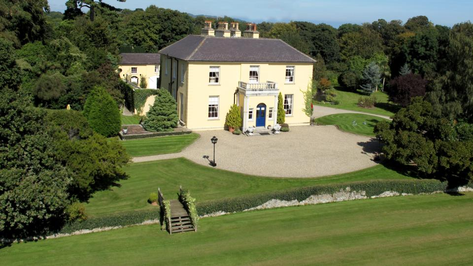Palatial georgian restoration outside dublin for for Home decorations ireland