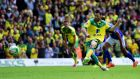 Wes Hoolahan of Norwich City scores their first goal from the penalty spot during the  Championship play-off semi-final second leg match against Ipswich Town at Carrow Road. Photo: Jamie McDonald/Getty Images