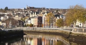 "The chairman of a specially-appointed local government review group in Cork has said there is ""almost universal"" agreement among stakeholders to create a Metropolitan Cork with a population of around 250,000"