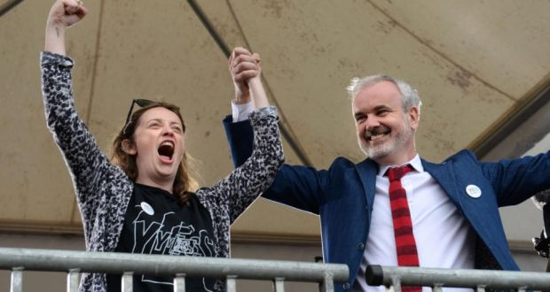 41a2d600b6438 Yes campaigners Una Mullally and Colm O Gorman at Dublin Castle on Saturday  for the