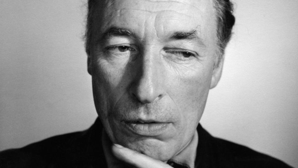 louis mcneice The tls nº 5411, december 15, 2006 poem of the week departure platform by louis macneice the year 2007 marks the centenary of the birth, not only of w h.
