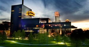Spectacular: the Guthrie Theater, designed by the French architect Jean Nouvel, beside the Mississippi in Minneapolis. Photograph: Mark Vancleave