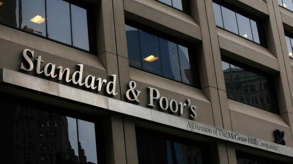 Standard & Poor's upgrades Ireland's sovereign debt