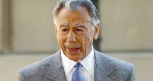 Billionaire Kirk Kerkorian, a key figure in the shaping of the Las Vegas strip of casinos and hotels, has died at the age of 98.