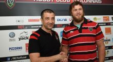 South African flanker Duane Vermeulen shakes hands with  Toulon president Mourad Boudjellal   after signing a three-year contract with the Top 14 club. Photo: Boris Horvat/AFP/Getty Images