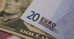The euro has slumped 3.9 per cent this year, hit by ongoing uncertainty over Greece and speculation about its quantitative easing programme.  Photographer: Simon Dawson/Bloomberg