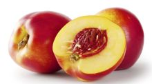 Vintage Beauty Tips: Nectarine complexions and the 'dandruff germ'
