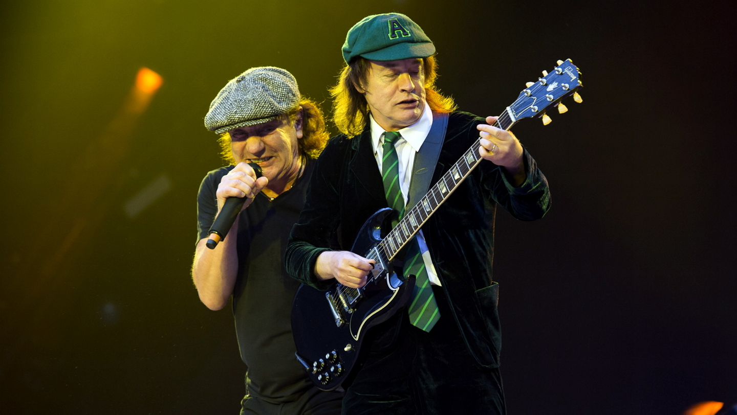 Angus Young=overrated