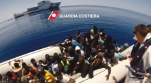 More than 900 migrants rescued at sea by Italian coastguard