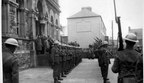 Guard of Honour at the Town Hall, Sligo, before the arrival of the WB Yeats's cortege