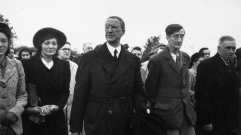 First Taoiseach of the Republic of Ireland Eamon de Valera with Irish dramatist Lennox Robinson at the funeral in Sligo. Photograph: Haywood Magee/Picture Post/Getty Images