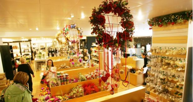 Christmas In Dublin Ireland.Brown Thomas Prepares For Christmas With 127 Days To Go