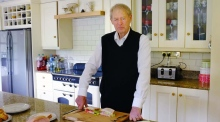 Micheál Ó Muircheartaigh makes the perfect ham sandwich