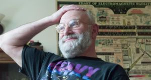 the man who mistook his wife for a hat essay Oliver sacks's book the man who mistook his wife for a hat is about neurology:  the science that deals with disorders of the nervous system in general and the.