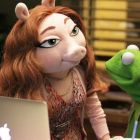 Although Kermit has denied rumours of a relationship with Denise, the chemistry between them is hard to deny, on set and in pictures