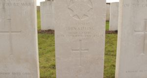 The Commonwealth War Graves Commission says it made right call in 1992 to change the name on a headstone from an unknown Irish Guards lieutenant to that of Lieut John Kipling.