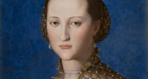 Portrait of Eleanor of Toledo (1522) by Agnolo di Cosimo, called Bronzino. National Gallery of Prague