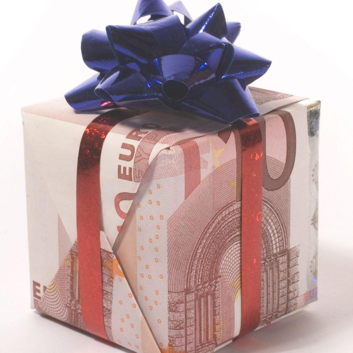 The Christmas bonus: how I\'ll spend it