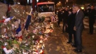 Obama visits Paris attack site to pay tribute