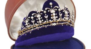The tiara, believed to date from the 1930, was once owned by the Honourable Doreen O'Brien, a daughter of the14th Baron of Dromoland Castle, Co Clare