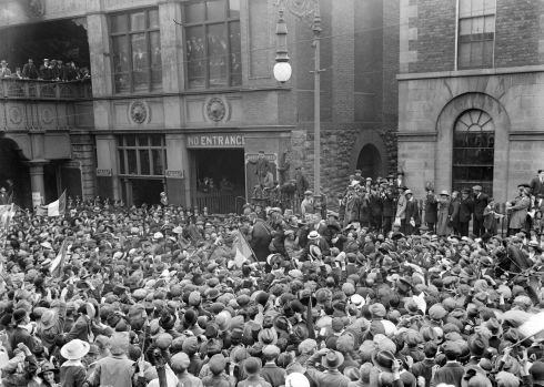 Prisoners being welcomed home from Frongoch internment camp at Merrion Row train station in central Dublin.