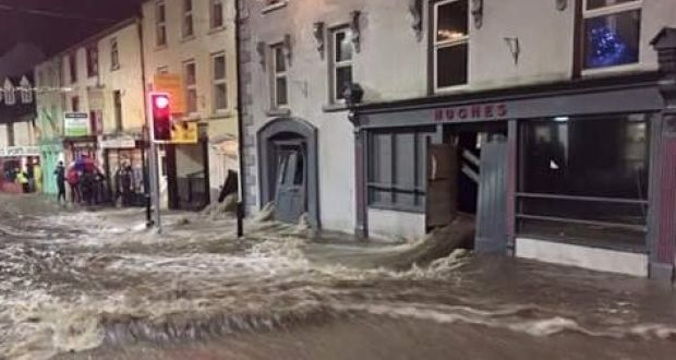 Storm Frank causes floods, closes roads and cuts power to