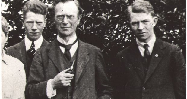 Eoin Mac Neill with sons Brian and Niall in 1917.