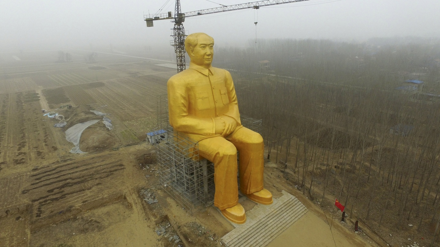 Giant Mao Statue In Chinese Countryside Pulled Down Story Telling Tom