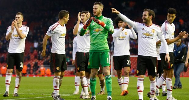 Manchester United s David De Gea celebrates at full time with Juan Mata da1096638