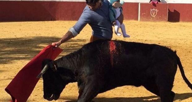 Spanish matador investigated for bullfighting with baby