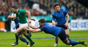 15 Rob Kearney - Rating: 6. He demonstrated footwork in contact, changed angles nicely, carried powerfully and bar an offload that didn't go to hand he was one of Ireland's better players on a difficult afternoon.