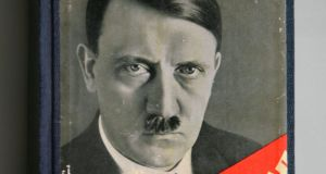 Mein Kampf. grianghraf: david silverman/getty images