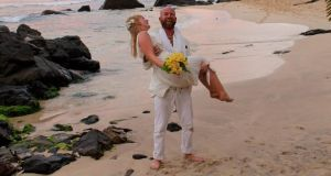 Niamh Fox and Sam Gleeson got married on a beach in Sri Lanka