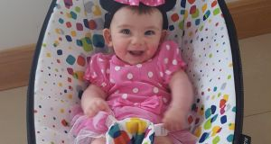 Eva Belle Bradshaw shows the Mamaroo in action. It is probably one of the most advanced baby chairs on the market.