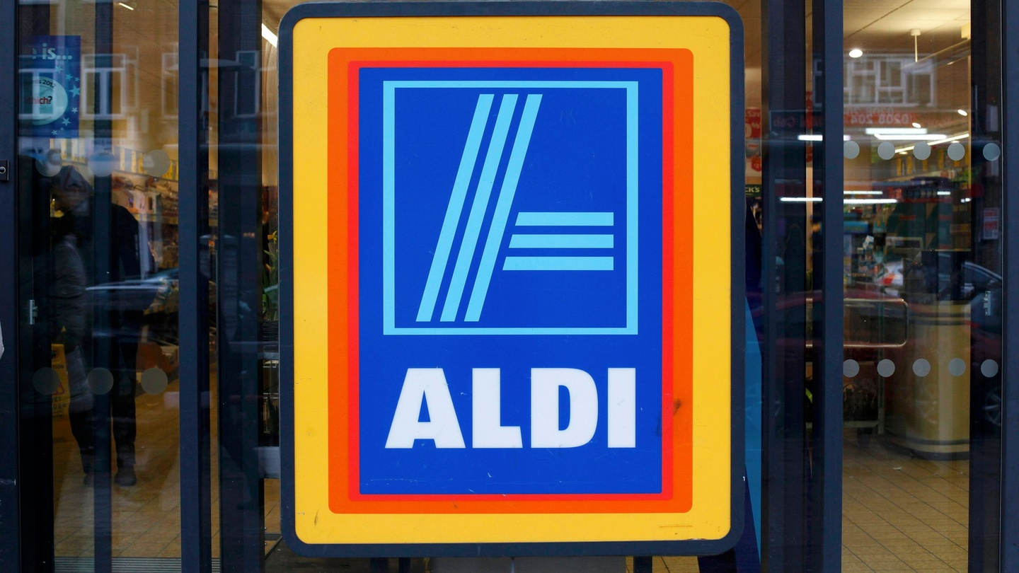 Aldi digs in for the battle for well heeled shoppers falaconquin
