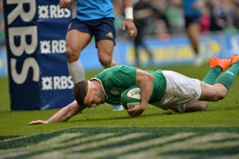Ireland's Fergus McFadden scores a try. Photograph: Alan Betson/The Irish Times