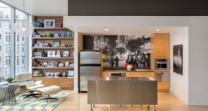 Contemporary kitchen on the Houzz site