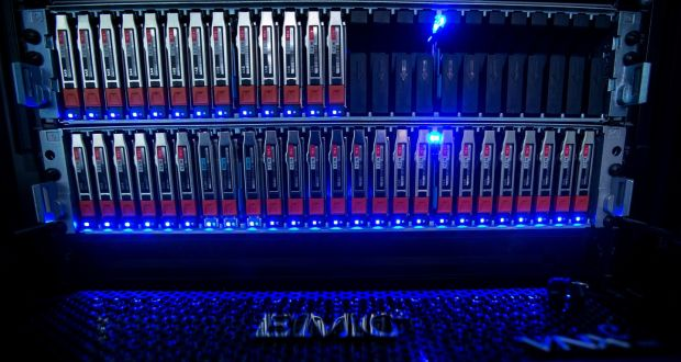 EMC misses sales and profit expectations